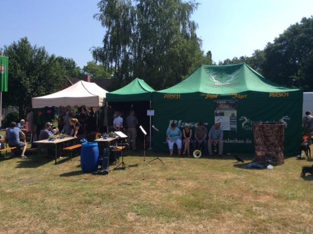 Trotz Hitze war der Jägerflohmarkt gut besucht.